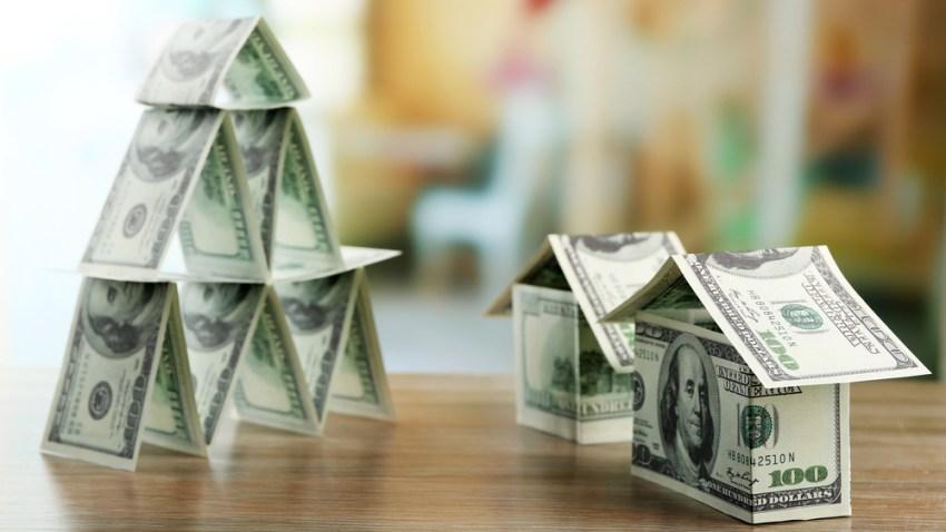 TLMD-dinero-generica-TLMD-mercadeo-multinivel-esquema-piramidal-shutterstock_387671092
