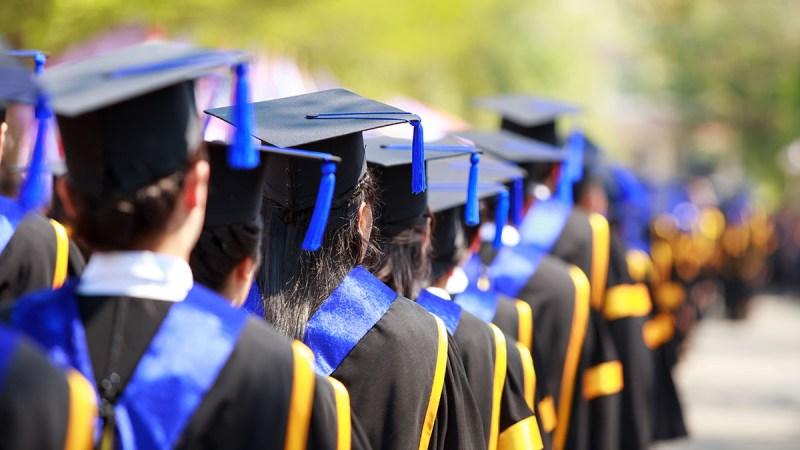 ¡Felicitando a los graduados!: fotos de la clase del 2020