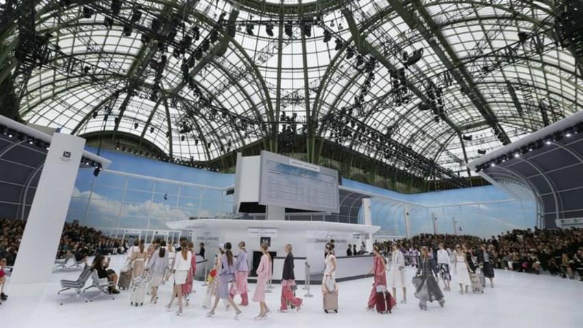 TLMD-paris-desfile-chanel-semana-de-la-moda-grand-palais-Karl-Lagerfeld-6-octubre-2015-EFE-124981_8_635797318527254930w-portada