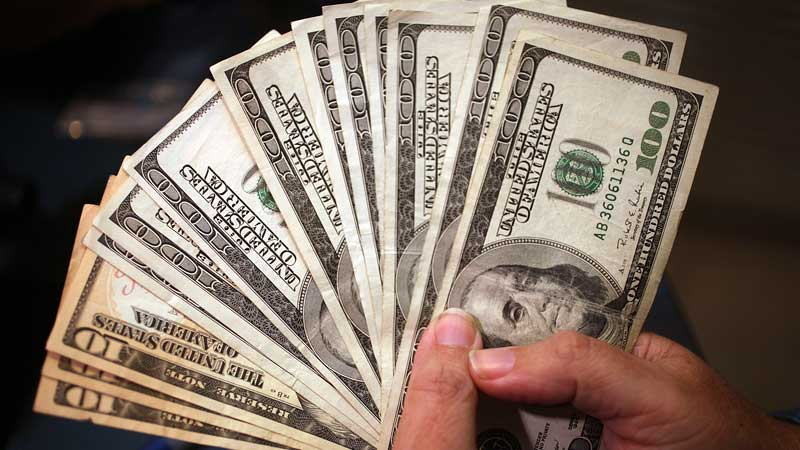 dinero-en-efectivo-olvidado-en-el-gobierno1