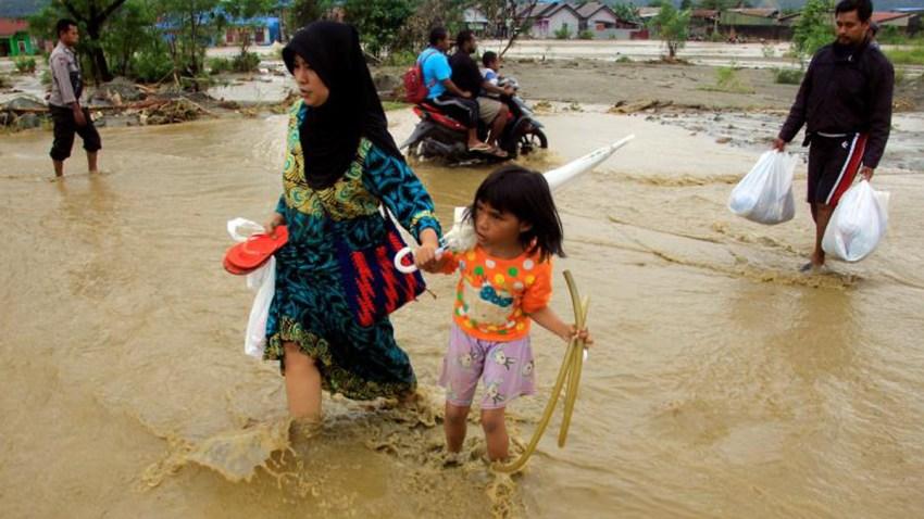inundaciones-indonesia-decenas-muertos-heridos