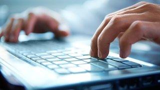 laptop-shutterstock_70728256