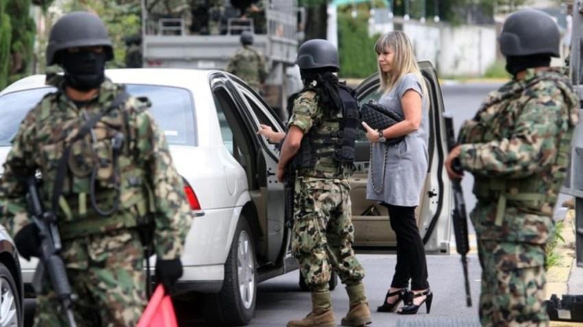 mexico-militares-calles-revision