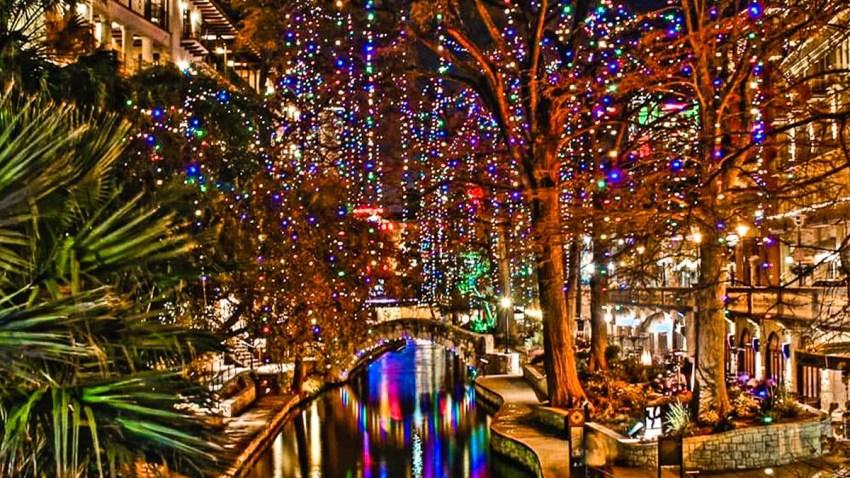 Luces en el River Walk de San Antonio