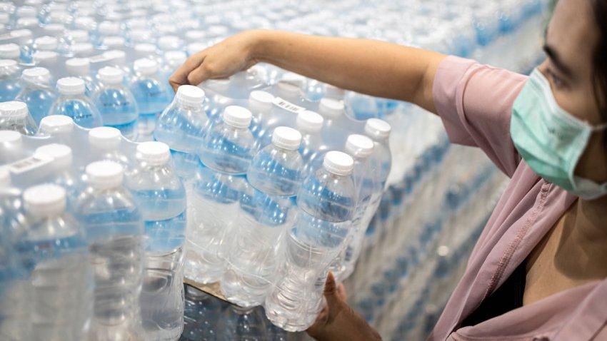 Distribución de agua embotellada