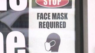 Anuncio de mascarillas en negocios