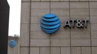 AT&T anuncia acuerdo con Discovery para combinar operaciones