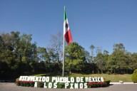 mexico-abren-los-pinos-5