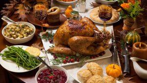 ¿Por menos de $50? Cómo preparar un festín de Thanksgiving con poco