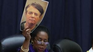 Fiscales: Manafort podría pasar 19 años en prisión