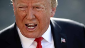 Trump anuncia duros impuestos a productos mexicanos
