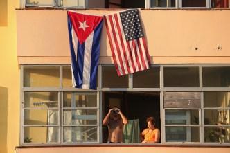 AP: EEUU saca diplomáticos en Cuba y advierte de viajes