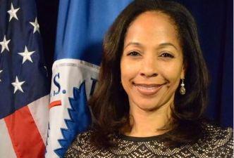 Arrestan a exfuncionarias de FEMA y expresidente de COBRA
