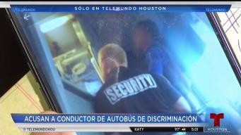 Acusan a conductor de autobús de discriminación