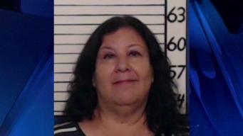 Arrestan a acusada de robar regalos de varias bodas