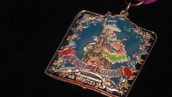 Asociación de Charros devela su medalla de Fiesta