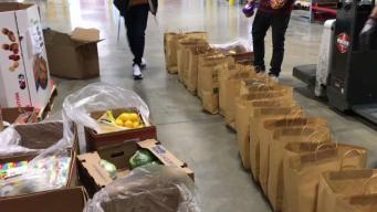 Banco de Alimentos ofrece comida a empleados federales afectados por cierre de gobierno