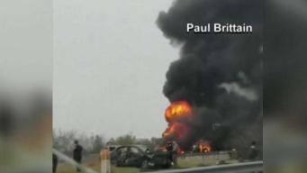 Dos en condición crítica tras accidentes de 40 vehículos