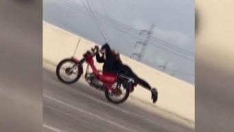 Peligroso reto de motociclista se vuelve viral
