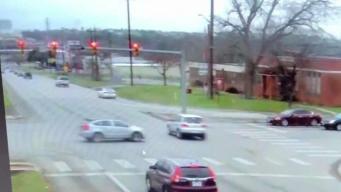 Policía de Leon Valley busca instalar más cámaras en semáforos