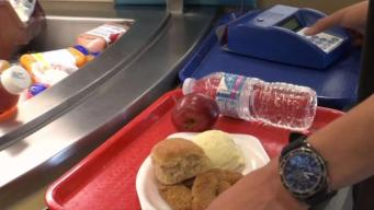 Programas alimenticios ayudan a familias en el verano