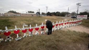 Texas: cientos acuden a emotiva ceremonia tras masacre