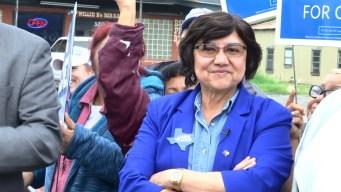 Lupe Valdez busca la gobernación con el voto hispano