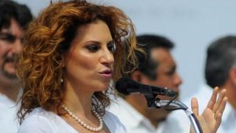 Esposa de exgobernador preso afronta extradición