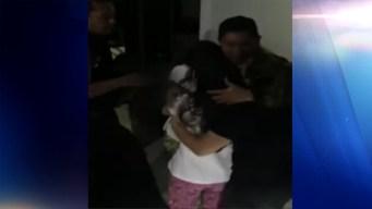 Policías graban rescate de una madre y sus dos hijas