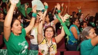 Oaxaca despenaliza el aborto, tras reñida sesión