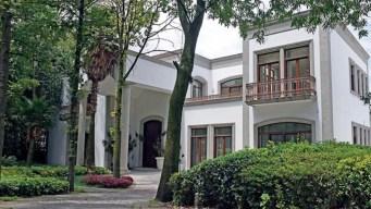 """Escándalo por """"casa blanca"""" persigue a """"La Gaviota"""""""