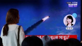 Corea del Norte lanza potente misil desde un submarino