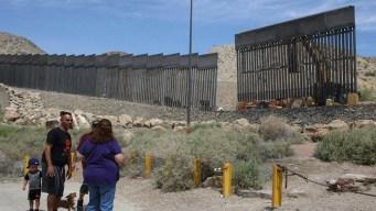 Muro privado en Nuevo México: reanudan la construcción