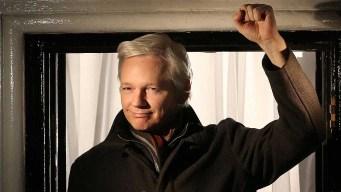 Fundador de WikiLeaks enfrenta cargos de conspiración