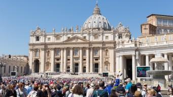 La Iglesia Católica enfrenta dos demandas por abusos