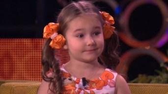 Bella habla ocho idiomas y solo tiene cinco años