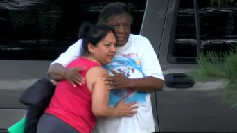 Reina el miedo en Mississippi: lloran por familiares detenidos en redada