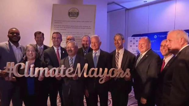 Cientos de alcaldes se suscriben al Acuerdo de París