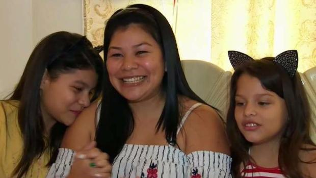 [TLMD - NY] Madre finalmente se reúne con sus hijas