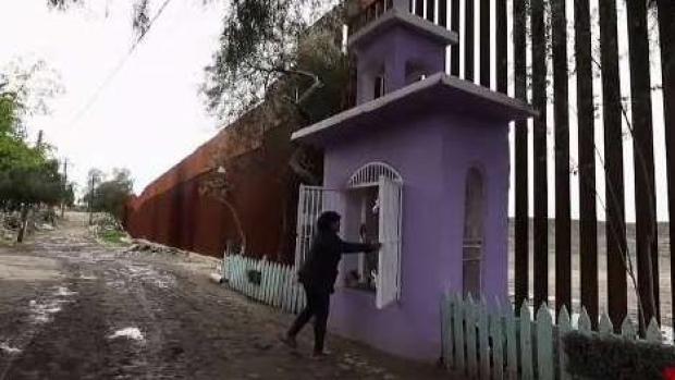 Polémica por capilla levantada justo en el muro