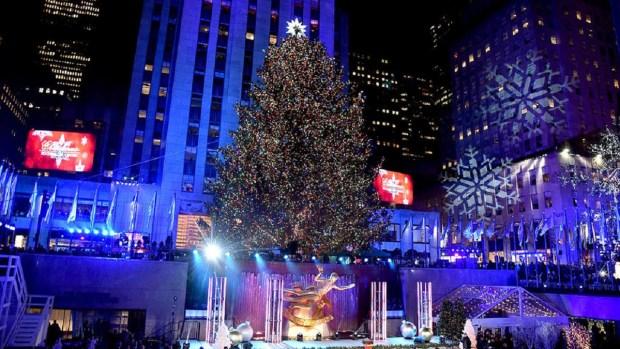 [TLMD - NY] Icónico árbol de Navidad y su alegría boricua