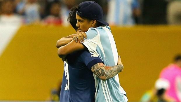 El fanático que acabó preso por un abrazo de Messi