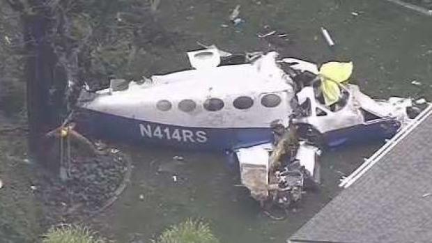 [TLMD - LV] Varios muertos tras estrellarse avión contra vivienda