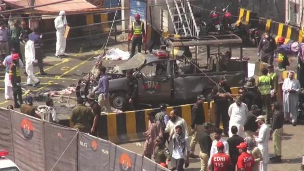 [TLMD - LV] Muertos y heridos en ataque suicida en templo sufi en Pakistán
