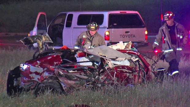 Fotos: Choque parte auto en dos y deja dos muertos