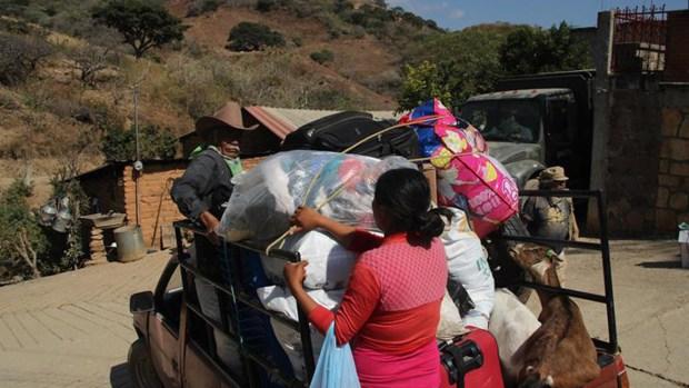 Familias huyen de los balazos en Guerrero