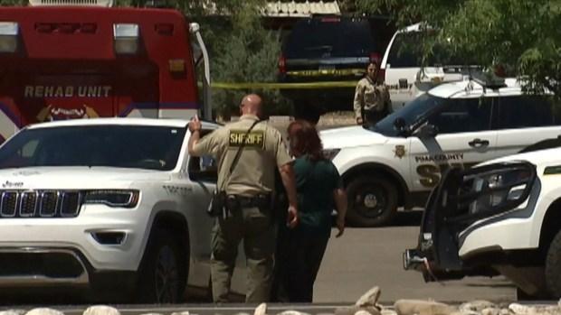 [TLMD - NATL] Macabro hallazgo en oficina de Tucson: un niño herido y dos muertos