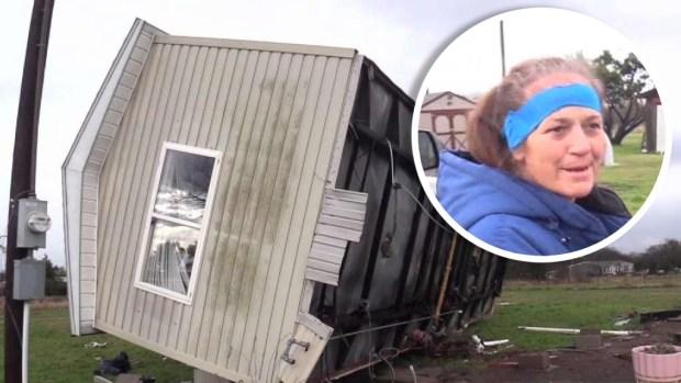 [TLMD - Dallas] Mujer se salva de milagro tras volcadura de vivienda