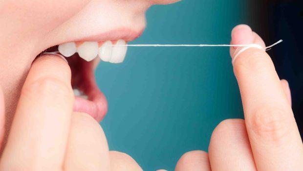 [TLMD - LV] El peligro oculto del hilo dental para la salud
