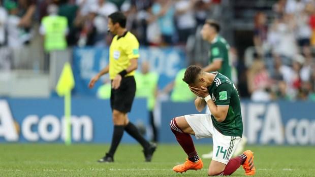 """Las lágrimas del """"Chicharito"""" tras el triunfo ante Alemania"""
